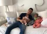 Зірковий відпочинок: Кріштіану Роналду проводить час з коханою і дітьми